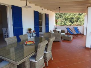 Appartamento con splendida vista mare - Nisportino vacation rentals