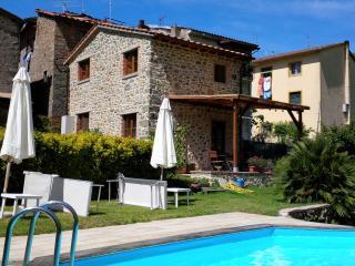 Casa Webb Barn, Bagni Di Lucca - Bagni Di Lucca vacation rentals