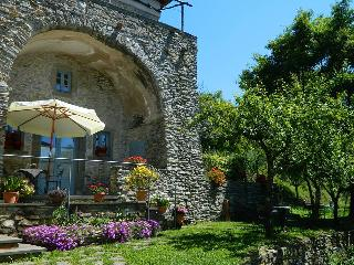 Apartment in Lunigiana Tuscany Il cavallo - Comano vacation rentals