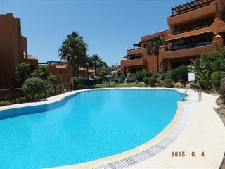 Apart. Nueva Galera 300m from sea: a/c, WiFi - Estepona vacation rentals