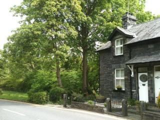 Glan DulynRiverside Retreat Betws-y-coed Snowdonia - Betws-y-Coed vacation rentals