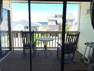 2 Bedroom 2 Bath in prime Cherry Grove W/ Pool! - Cherry Grove Beach vacation rentals