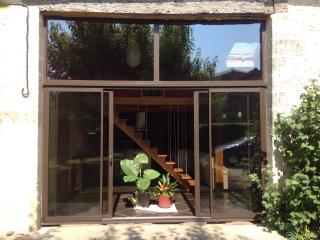 Apartment de charme proximité St Emilion - Tayac vacation rentals