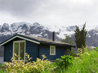 Cozy 1 bedroom Naustdal Cabin with Deck - Naustdal vacation rentals