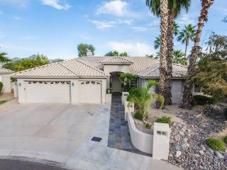 AWESOME MODERN SCOTTSDALE HOME WITH POOL - Scottsdale vacation rentals