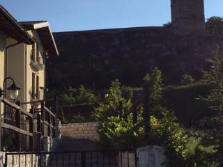 Cozy 2 bedroom Apartment in Rocca di Mezzo with Balcony - Rocca di Mezzo vacation rentals