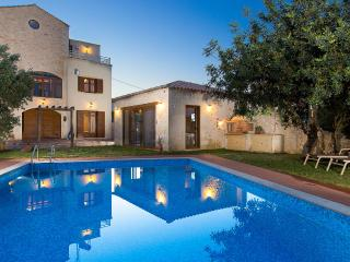 Villa Saridakis, a true mansion! - Rethymnon vacation rentals