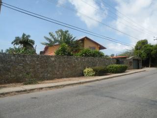 Villa con Piscina Porlamar Isla Margarita - Porlamar vacation rentals