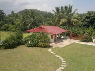 Nice Bungalow with Internet Access and Outdoor Dining Area - Phan vacation rentals