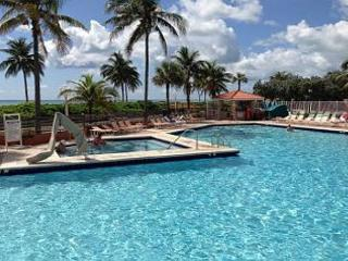 Full Ocean View SE Corner 1/1 with 1 King 2 Queen Sleepers  HEATED POOL 703 - Hollywood vacation rentals