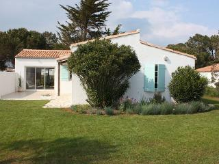 Bright 4 bedroom Villa in Les Portes-en-Re - Les Portes-en-Re vacation rentals