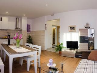 Olive Garden Apartments - 2 bedroom apartment - Cavtat vacation rentals