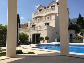 2 bedroom Apartment with Internet Access in Bol - Bol vacation rentals