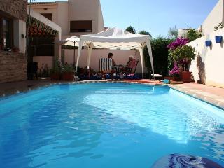 El ZAHOR privé villa met zwembad, WiFi, tot 7 pers - Durcal vacation rentals