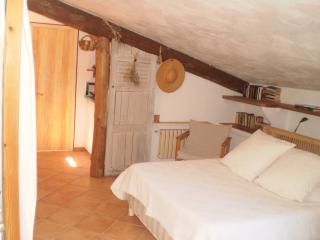 Nice Studio with Internet Access and Balcony - Saint-Martin-de-Bromes vacation rentals