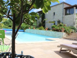 Chambre d'hôte  La Garde Pile de fichou - Bajamont vacation rentals