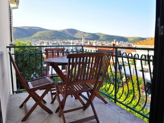 Charming apartment with a swimming pool - Trogir vacation rentals