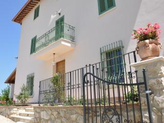 Fattoria Didattica-B&B-ResNovaIlColle-Grecale apt. - Acquasparta vacation rentals