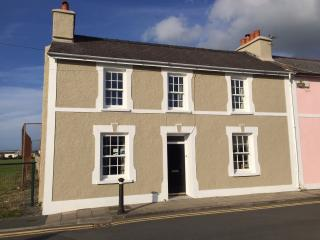 Beach House in Aberaeron full of seaside charm - Aberaeron vacation rentals