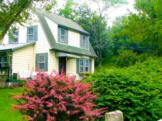 Applewood Cottage - Catskill Mountain Charm - Callicoon vacation rentals