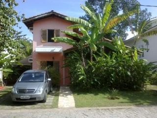 Casa em ótimo condomínio  na Praia da Baleia - Camburi vacation rentals