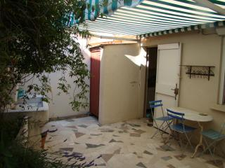 Cozy Vacation House with Terrace, in Cassis France - Cassis vacation rentals