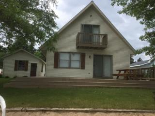 4 bedroom Cottage with Deck in Grand Rapids - Grand Rapids vacation rentals