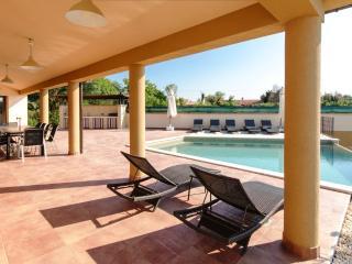 Bright 4 bedroom Villa in Pula with Internet Access - Pula vacation rentals