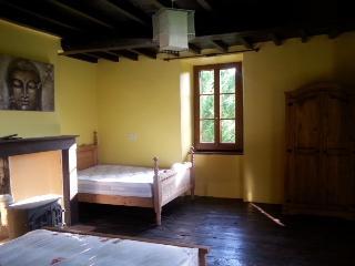 Cozy 2 bedroom Farmhouse Barn in Castelnau-Magnoac with Washing Machine - Castelnau-Magnoac vacation rentals