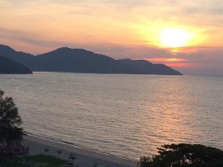 Paradise Resort - By The Sea Penang, Malaysia - Batu Ferringhi vacation rentals