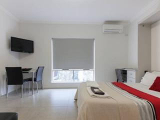 Malcolm 4 - Perth vacation rentals