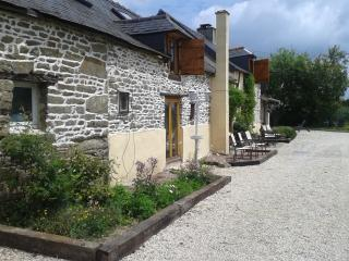 Charming Cottage with Satellite Or Cable TV and Television - Javron les Chapelles vacation rentals