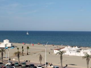 Appartement T2 - Front de mer - Canet-Plage vacation rentals