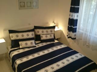 Superior TILA Apartment - Drage vacation rentals