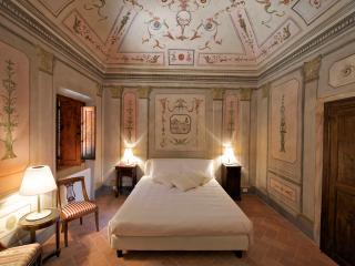 Affrescata room B&B - Certaldo vacation rentals
