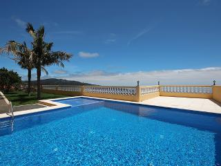 Lovely Villa with Water Views and Satellite Or Cable TV in Santa Cruz - Santa Cruz vacation rentals