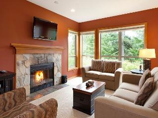 Painted Cliff 22 | 2 Bedroom Ski In/Ski Out Townhome with BBQ, Shared Hot Tub - Whistler vacation rentals