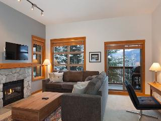 Mountain Star #1 | 2 Bed + Den Townhome, Nearby Ski Access, Private Hot Tub - Whistler vacation rentals