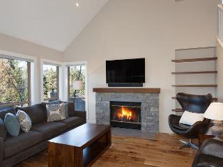 Painted Cliff #42 | Luxury 3 Bedroom Ski-in /Ski-out Townhome, Shared Hot Tub - Whistler vacation rentals