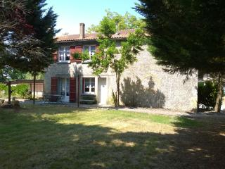 Bright Aire-sur-l'Adour Gite rental with Balcony - Aire-sur-l'Adour vacation rentals