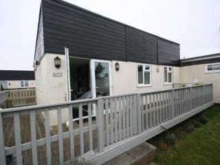 2 bedroom Chalet with Balcony in Earnley - Earnley vacation rentals