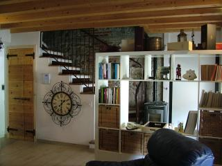 Nice Bed and Breakfast with Internet Access and Mountain Views - Roè Volciano vacation rentals