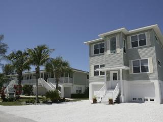 Alecassandra Vacation Villa Of Anna Maria Island - Bradenton Beach vacation rentals