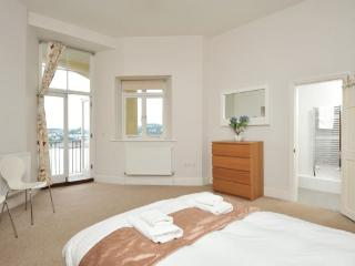 Apartment 14 Astor House Warren Road Torquay TQ2 5TR - Torquay vacation rentals