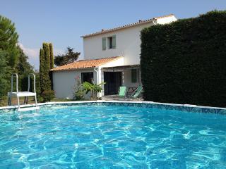 Villa+piscine 4 étoiles à l'ILE DE RE - Sainte Marie de Re vacation rentals