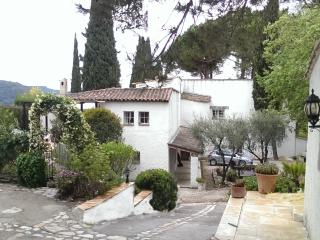 Nice Gite with Internet Access and Central Heating - La Colle sur Loup vacation rentals
