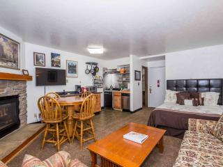 Centrally Located in Yosemite National Park!  Cozy - Yosemite National Park vacation rentals