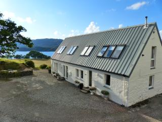 Comfortable 1 bedroom Loch Awe Cottage with Internet Access - Loch Awe vacation rentals