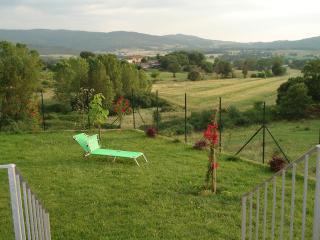 casa nel cuore della  campagna tra SIENA e FIRENZE - Pievescola vacation rentals