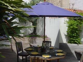 Jolie maison de caractère rhétais - Saint Martin de Re vacation rentals